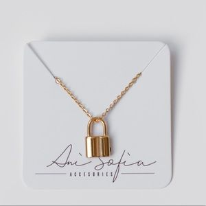 Stainless Steel Gold 🔒, Gold Mini Lock Necklace